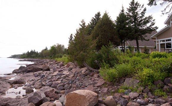 Luxury Lakeside Cottages on