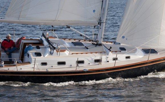 Sailing Lake Superior - New