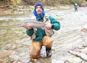 Dave Doud with a nice steelhead from 20 Mile Creek in 2007