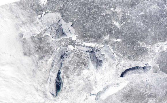 Current Great Lakes ice cover