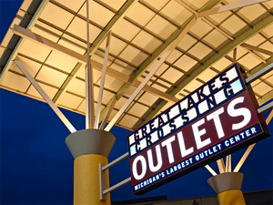 greatlakescrossingoutlets Best Shopping Centers And Malls In Metro Detroit