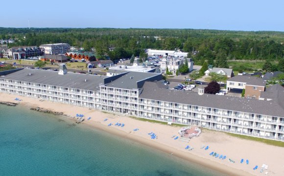 Hotels on Lake Huron