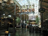 Great Lakes Crossing Food Court