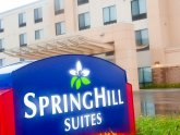Hotels near Great Lakes Crossing Mall Michigan