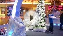 Great Lakes Crossing Santa Ice Palace display
