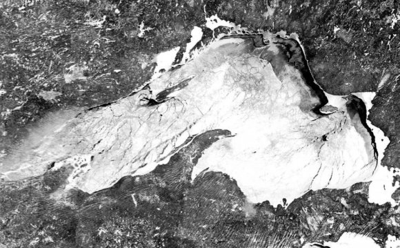 Lake Superior satellite image MODIS